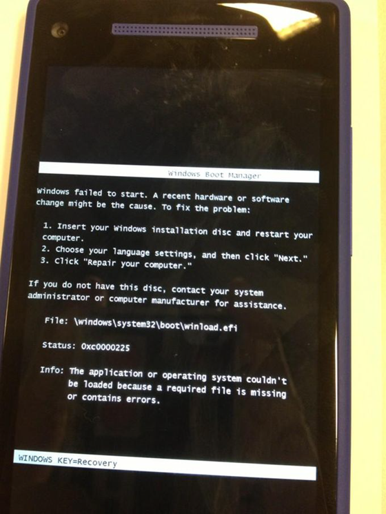 Funny Windows Phone 8 message - please insert your installation disc
