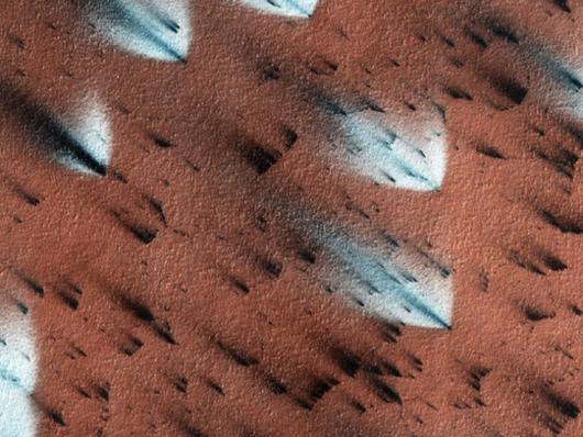 Exploding sand dunes on Mars