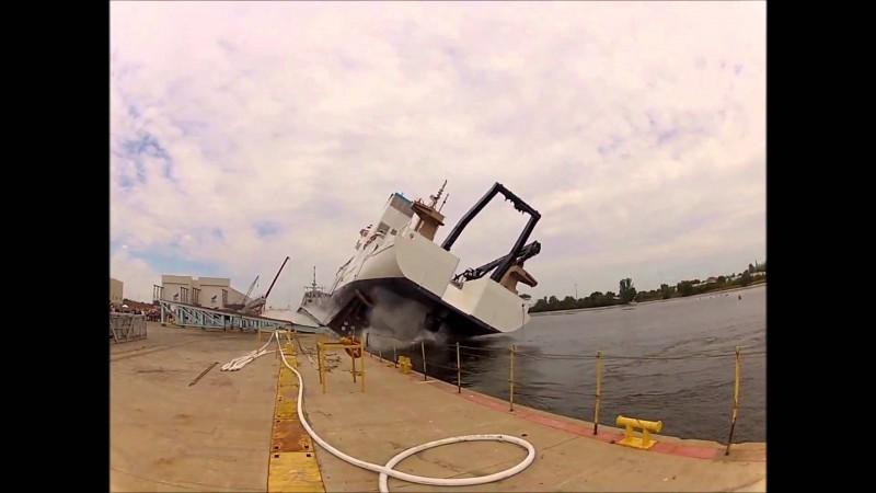 noaa ship launch fail ship falls tips over