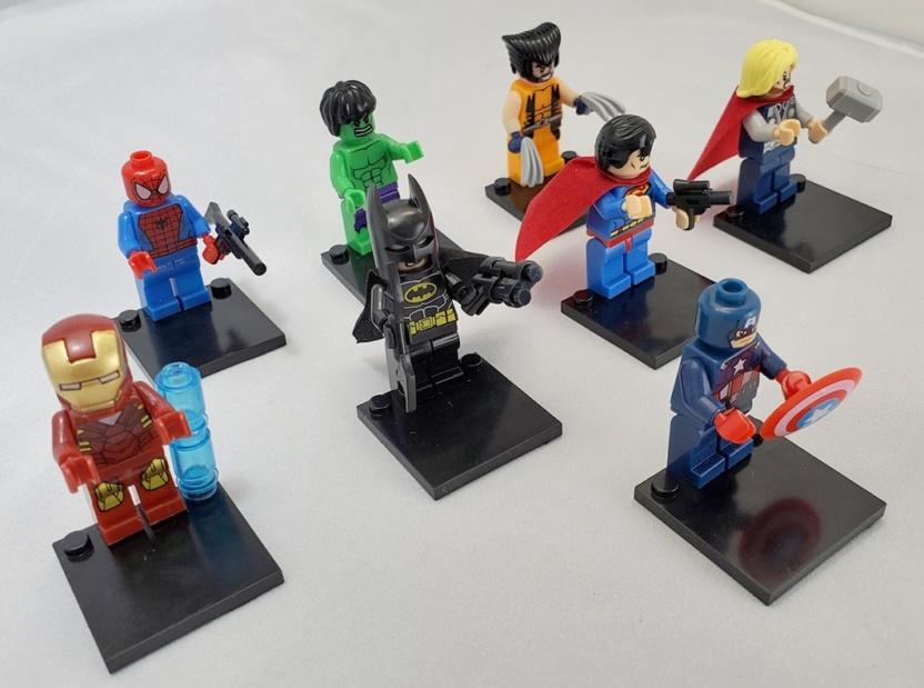 Marvel and DC block figurines