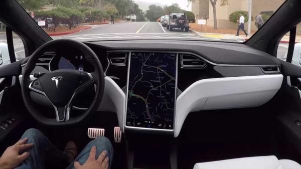 Tesla driver assistance autopilot