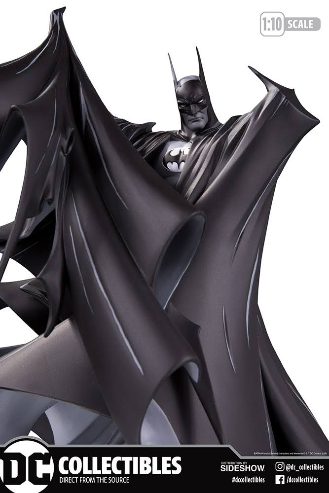 Batman Black and White Statue by Todd McFarlane box front