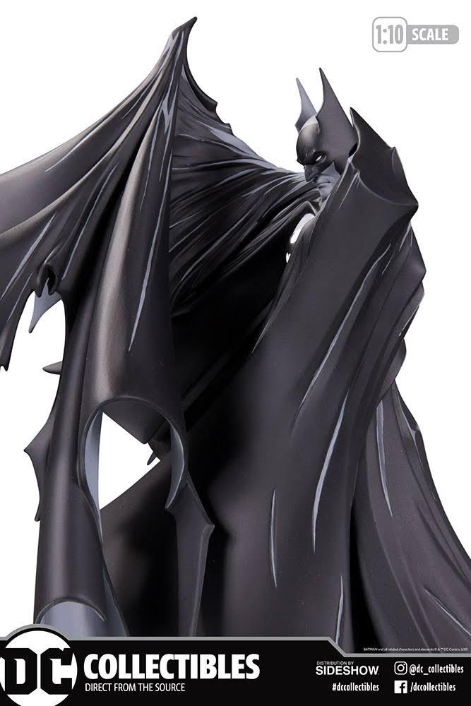 Batman Black and White Statue by Todd McFarlane box side