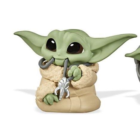 Star Wars The Mandalorian Baby Bounties Wave 2 Case - Baby Yoda eating again