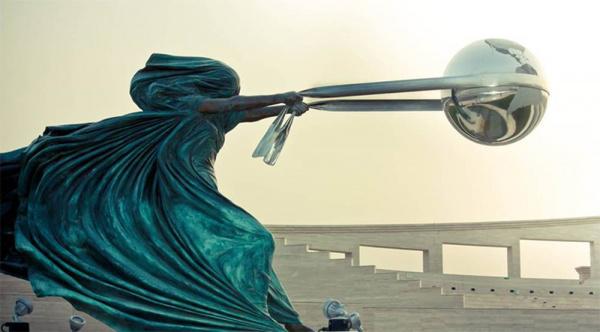 Force of Nature - by Lorenzo Quinn (Doha, Qatar)