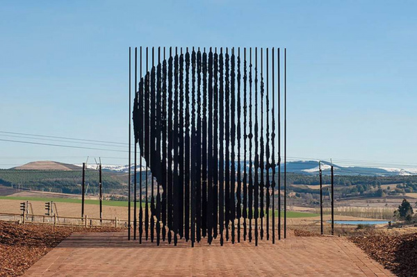 Nelson Mandela - by by Marco Cianfanelli (Durban, South Africa)