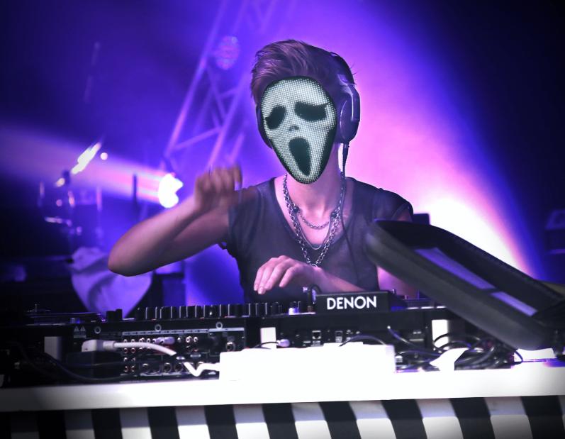Programmable LED light mask - Scary Movie face