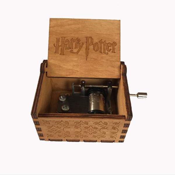 Wooden hand-crank Geek music box - Harry Potter